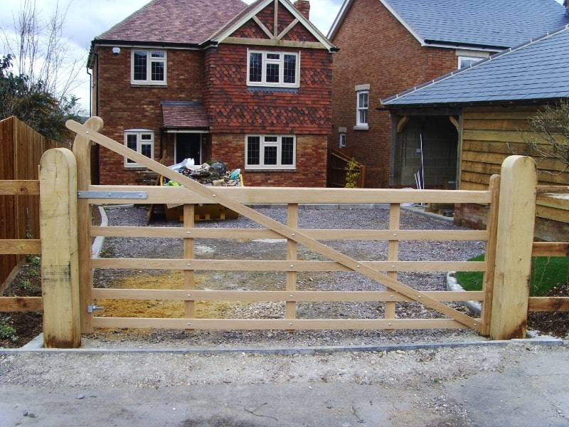 Hampshire fencing services
